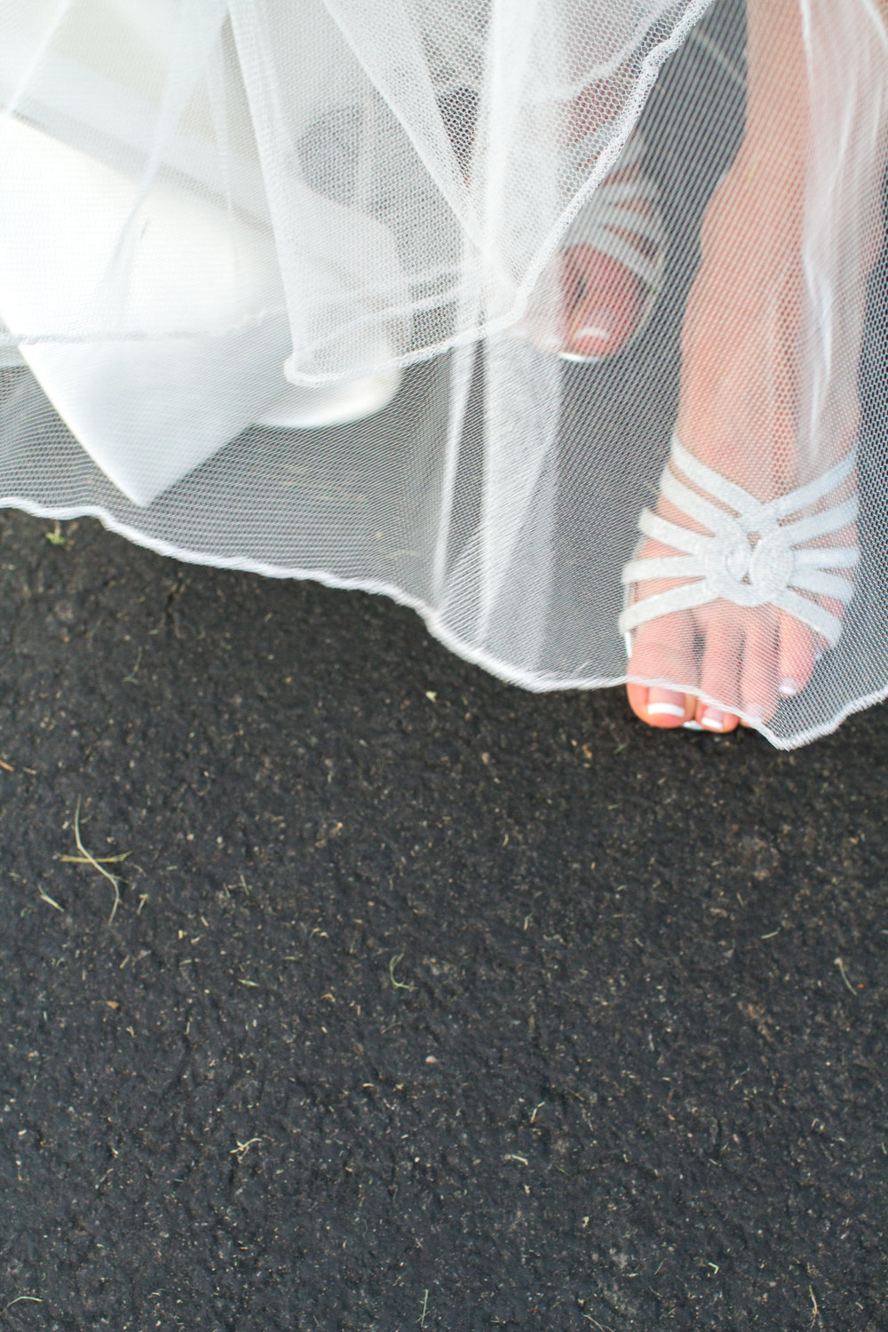 Silver wedding shoes Meadowlark Botanical Garden Wedding Vienna wedding photographer
