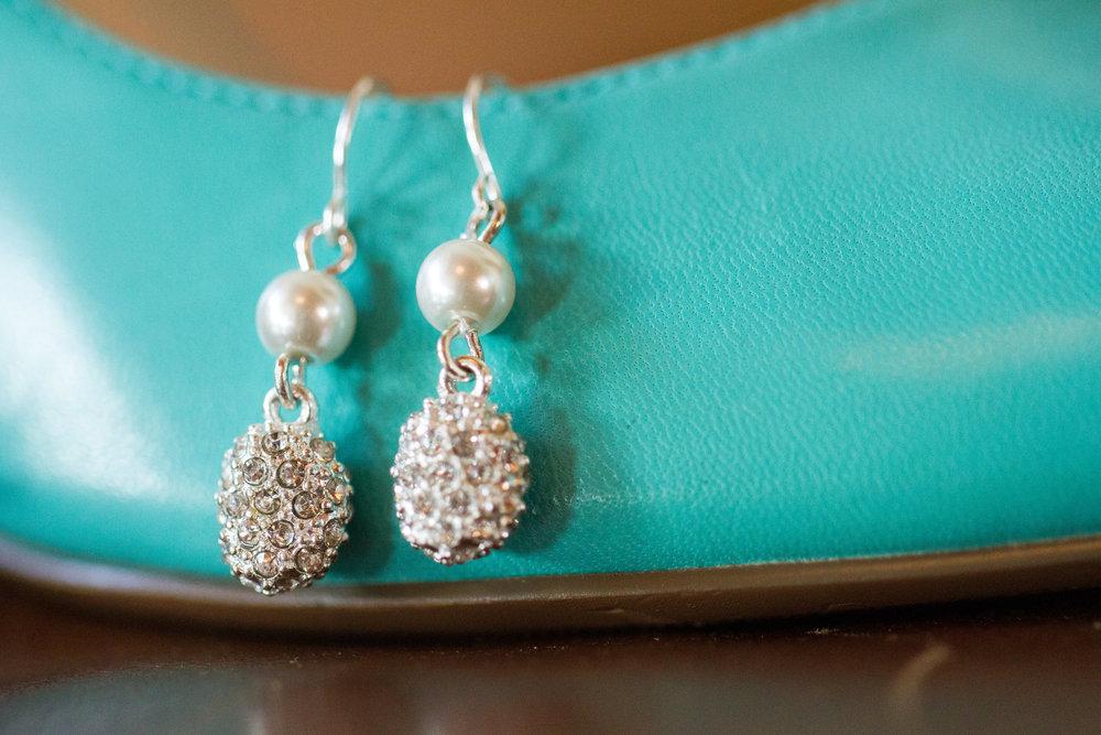 Sparkling wedding earrings| Bull Run Golf Club Wedding | Haymarket Wedding Photographer