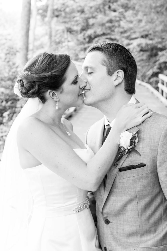 First look wedding kiss| Haymarket wedding photographer