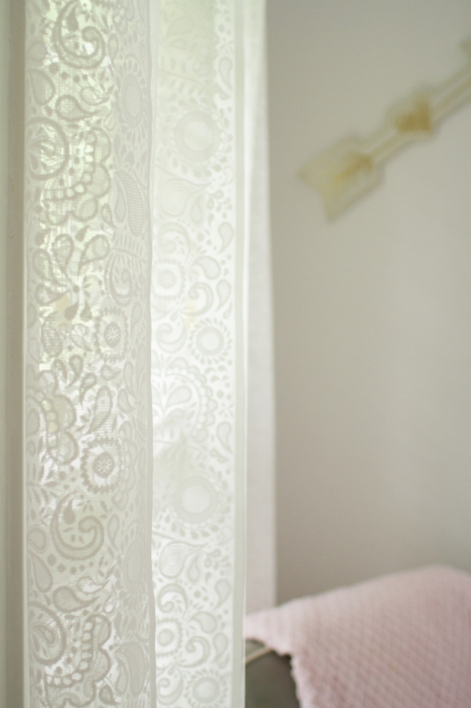White lace nursery curtains | Lorin Marie Photography