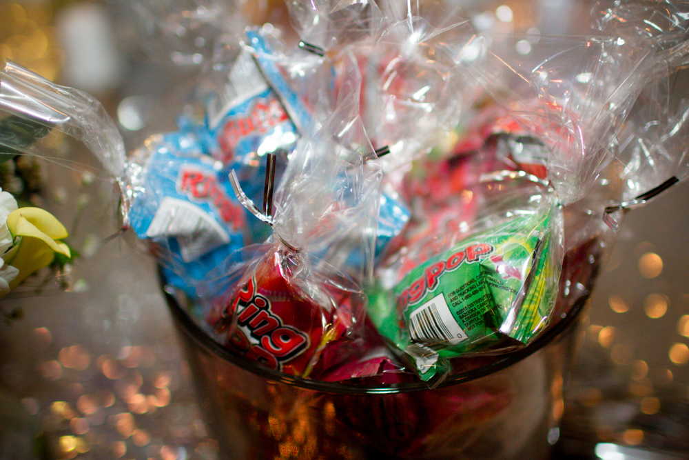 Ring pop wedding favors