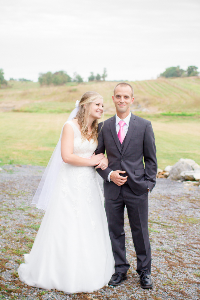 First look barn wedding | Lorin Marie Photography