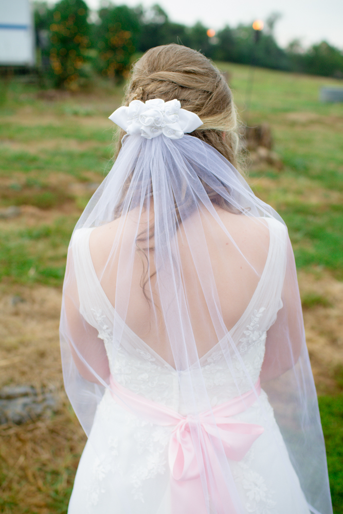 Bridal wedding bow | Lorin Marie Photography