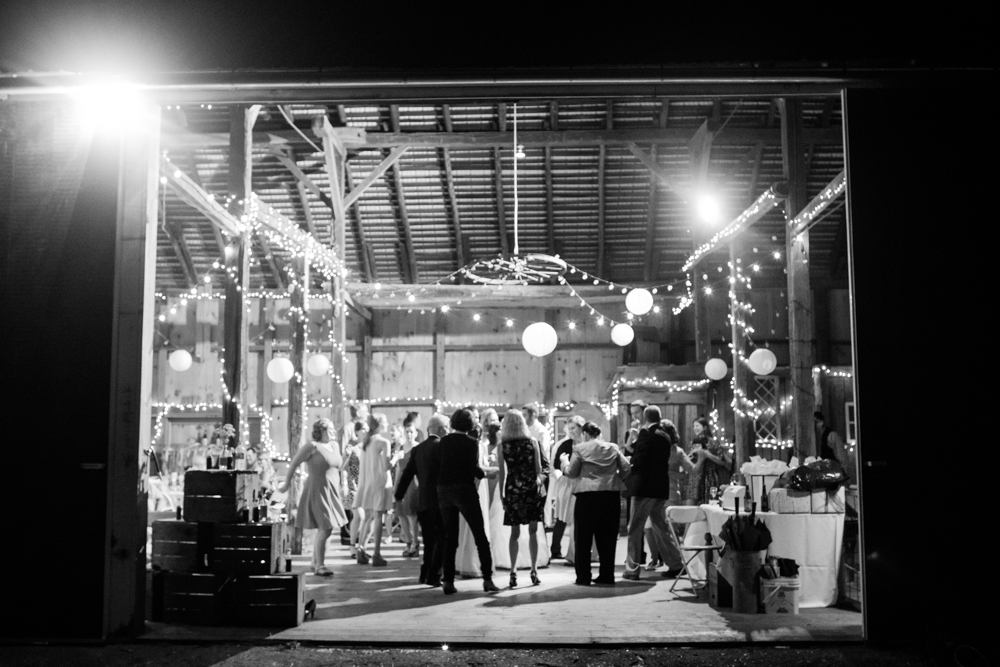 Dancing in barn | Lorin Marie Photography