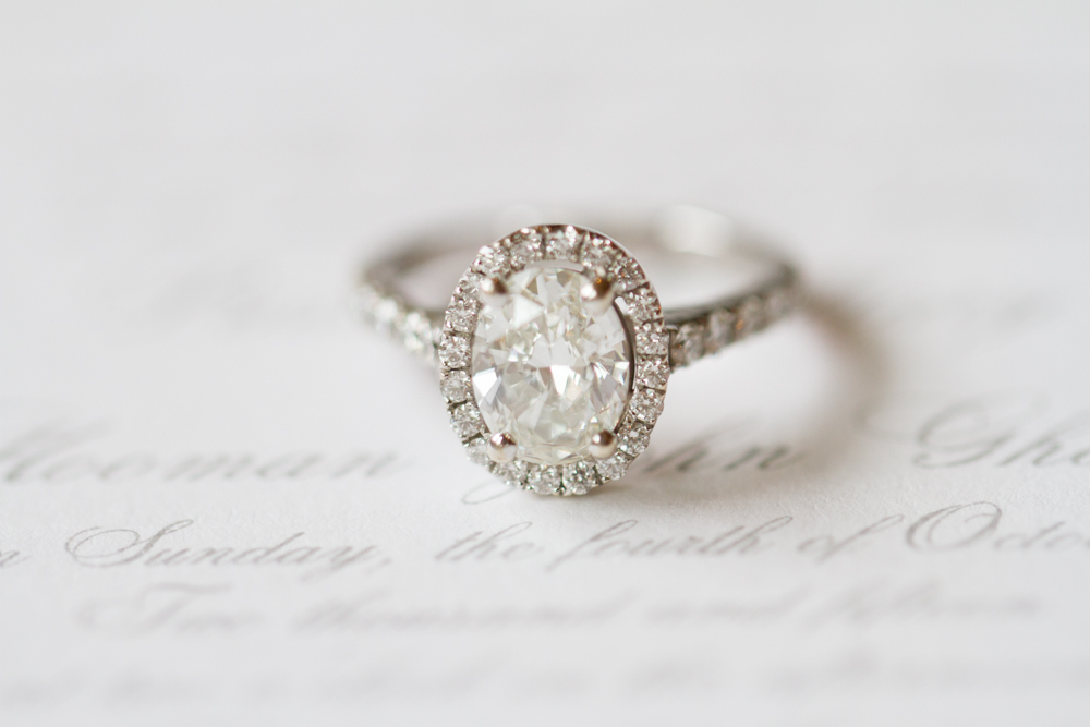 Halo engagement ring | Lorin Marie Photography