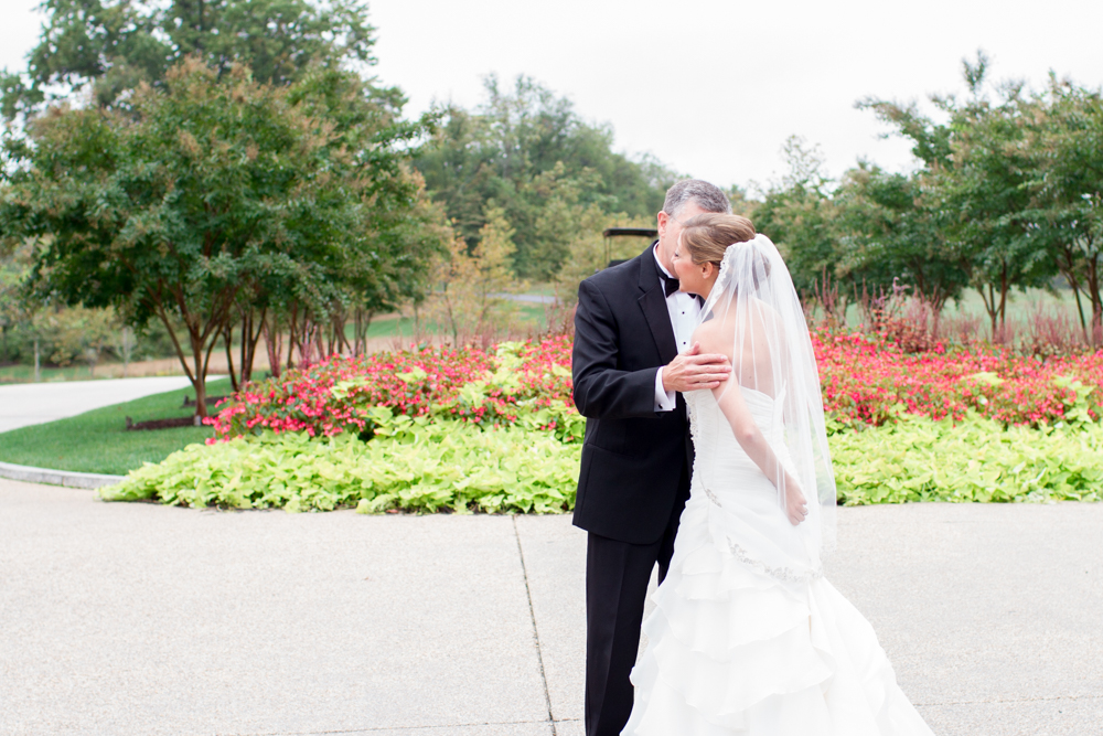 Father-daughter first look | Lorin Marie Photography