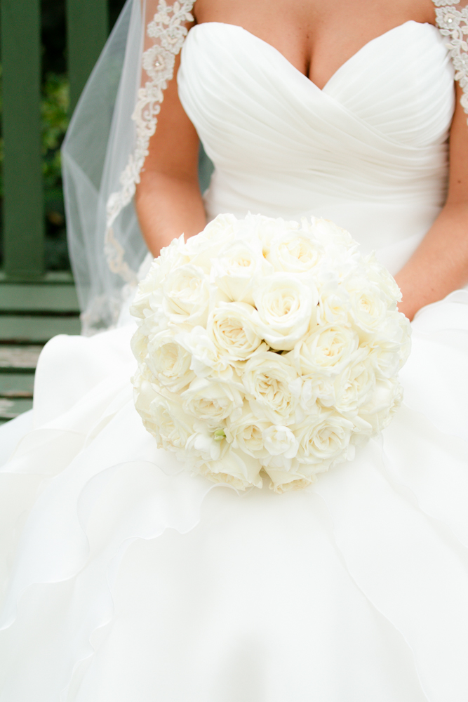 White bridal bouquet | Lorin Marie Photography