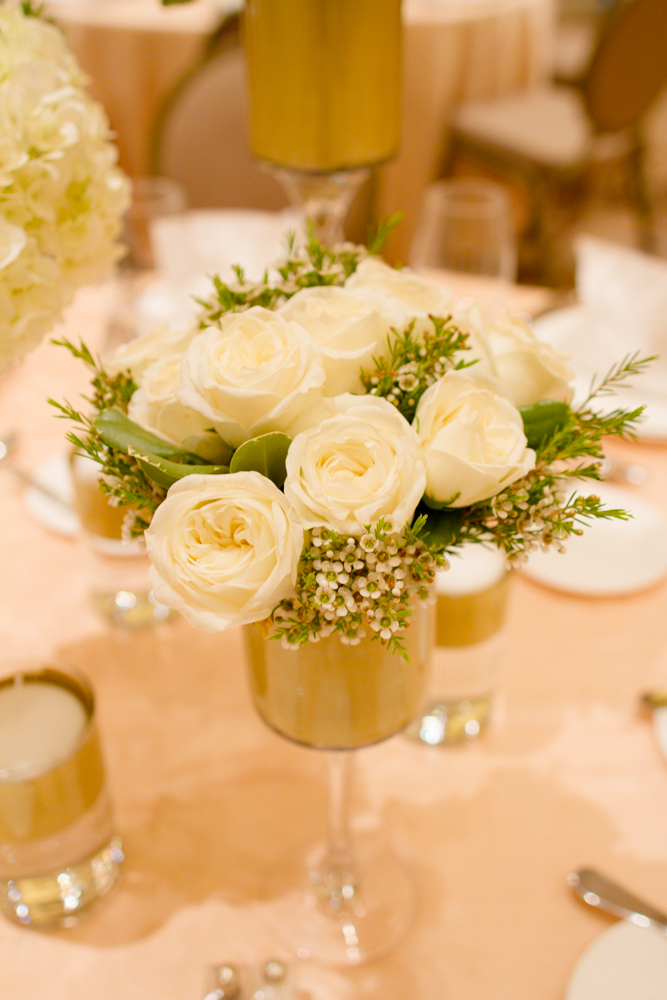 Elegant white centerpieces | Lorin Marie Photography