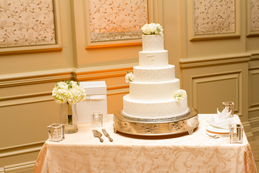 Elegant quilted wedding cake | Lorin Marie Photography