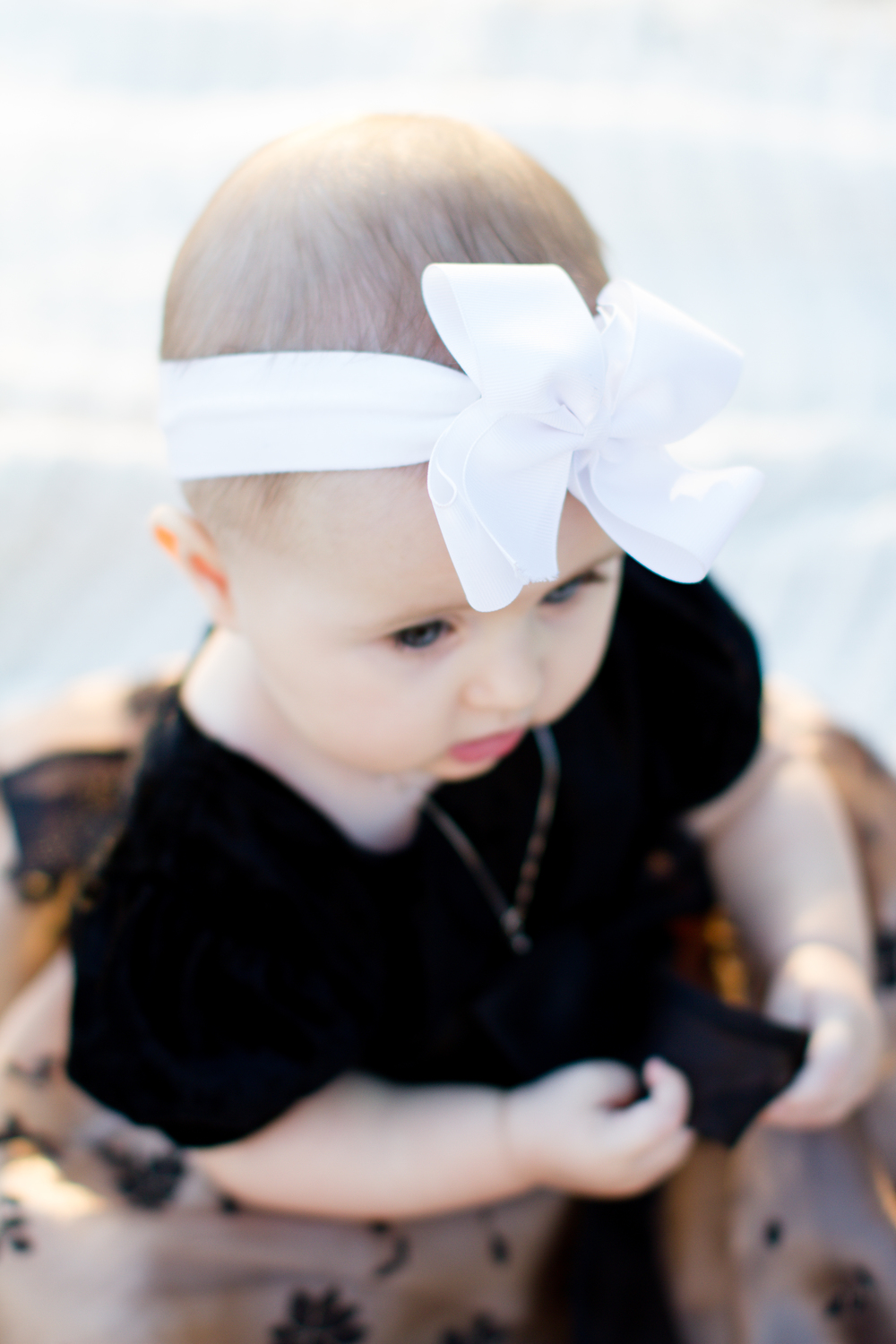 White-Christmas-baby-bow
