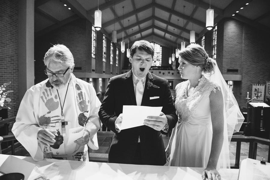 yawning signing licence