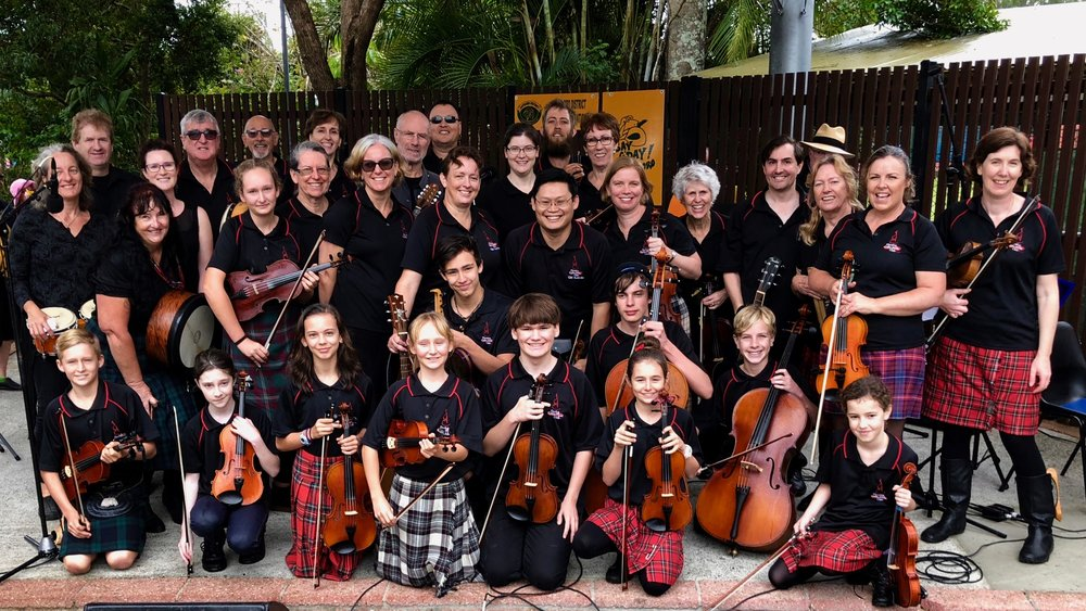 MORETON CELTIC FIDDLE CLUB & NORFOLK CELTIC FIDDLE CLUB - Performing @ Dayboro Day Festival 2018