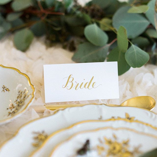 Now booking for day-of calligraphy details for your spring and summer weddings! 👰🏻🤵🏻💕 place cards : seating charts : menus : wedding hashtag signs : whatever! 😄 Message me for any questions or ideas you might have. Looking forward to sharing some wedding projects soon! . . . Photo by @rebeccashiversphotography  #calligraphy #moderncalligraphy #handlettering #wedding #weddingcalligraphy #centralpaweddings