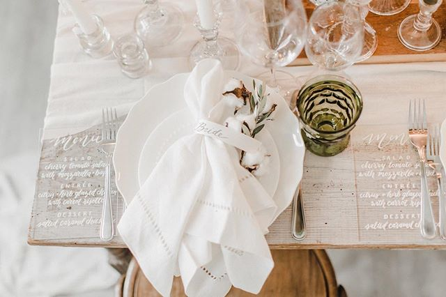 Throwback to a gorgeous styled shoot with #carolineloganworkshop, where I created these acrylic menus and satin ribbon place cards. I love seeing a mood board from Danielle at @yoursweetestdayevents and then creating special calligraphy pieces to fit in with the rest of the table. 💕✨🙌🏻 // 📷: @carolineloganphoto . . . #calligraphy #moderncalligraphy #handlettering #wedding #weddingcalligraphy #acrylic #acrylicmenu