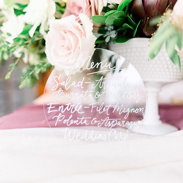 Love this beautiful spring color palette! 📷: @mallorymcclurephotography . . . #calligraphy #moderncalligraphy #handlettering #weddingcalligraphy #weddingmenu #acrylic