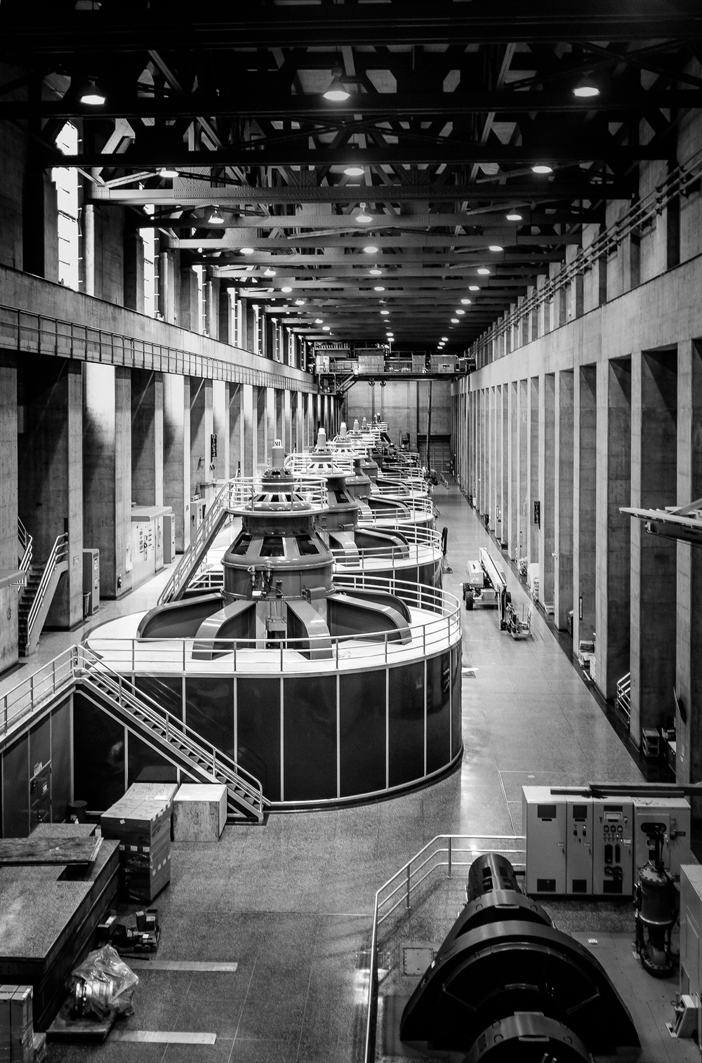 Alternating Current -   One of the Hoover Dam generator halls. [ Fujifilm X100t, f/2, 1/60s, ISO 800 ]
