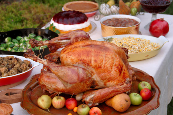thanksgiving-dinner-spread.jpg