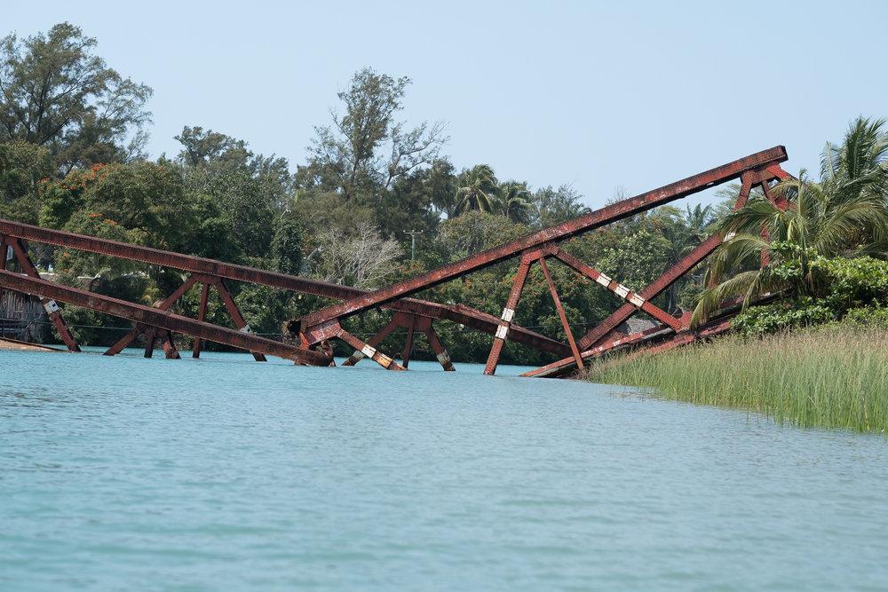 Pont Cassé, Canal des Pangalanes  - Manakara, Madagascar.