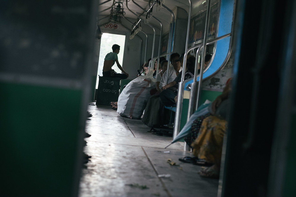 Train circulaire  - Rangon, Myanmar.