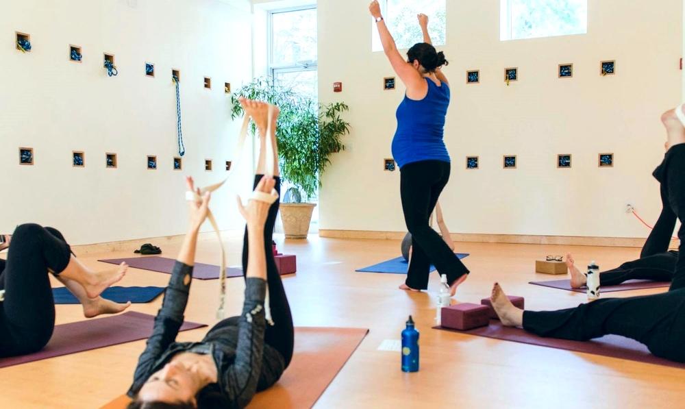 Shira Yoga_2.jpg