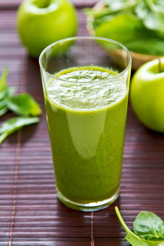 AdobeStock_49876153_green smoothie.jpeg