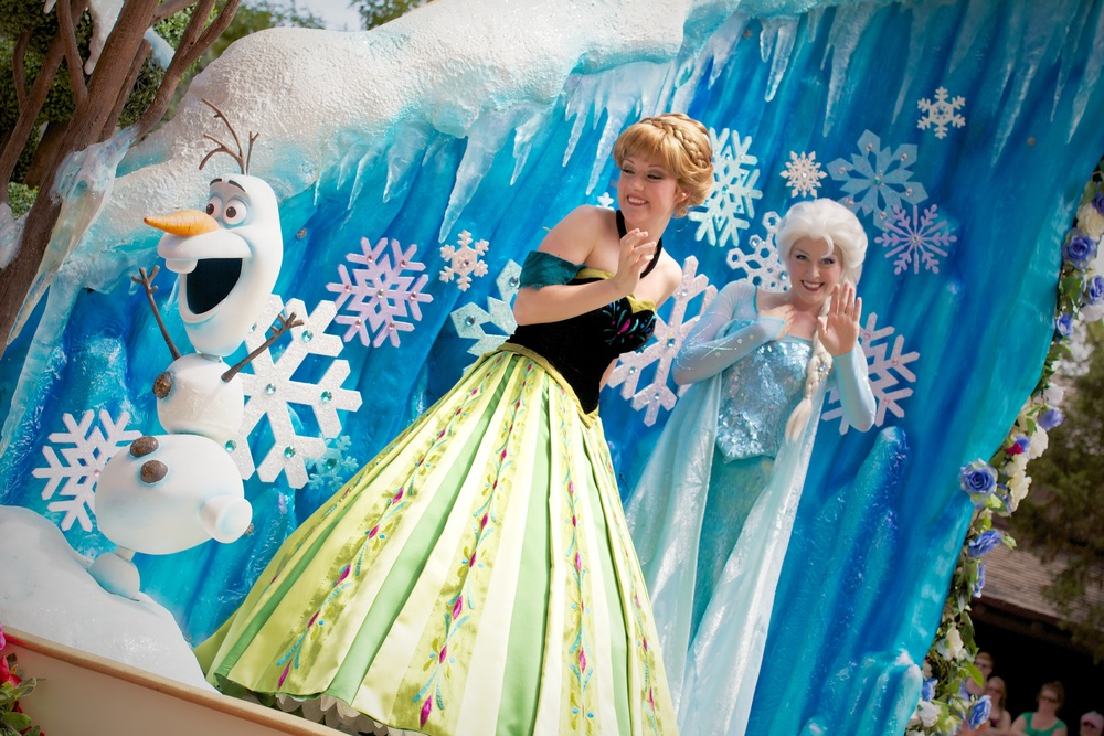 Anna, Elsa and Olaf make a daily appearance in the Festival of Fantasy Parade – 3 hour wait not required.