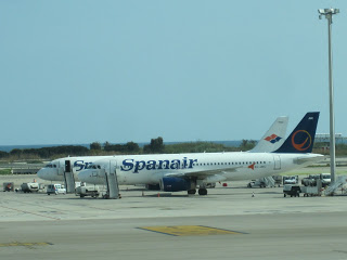 Spanair's old and new liveries side by side at BCN