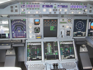 The cockpit (it takes only one month of training for the pilots to transition from A340 to A380!)