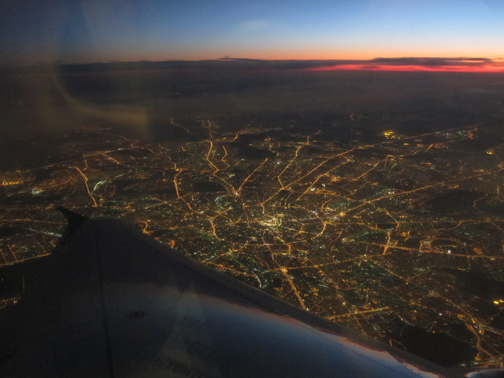 Cash or credit card? (Picture: view of Moscow at night from a Brussels Airlines A320)