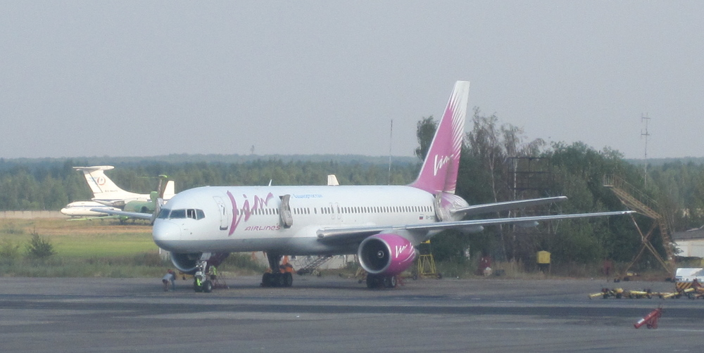 Despite the name, it was VIM Avia that was doing the actual flying with a Boeing 757 like this one