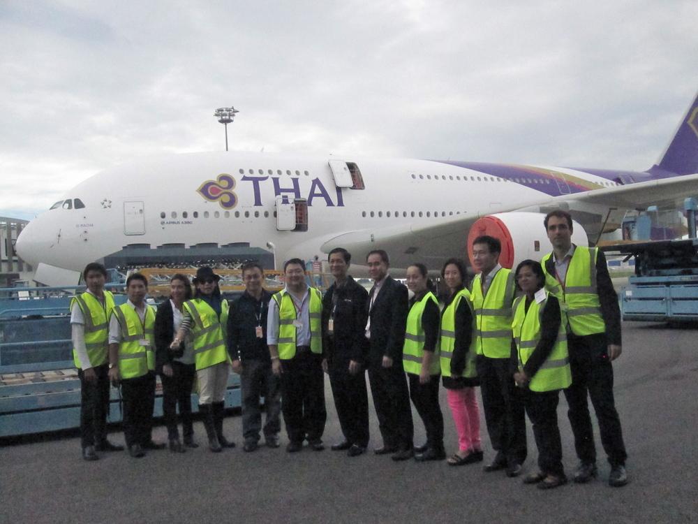 Group photo with Thai media, Airbus and Thai Airways representatives!