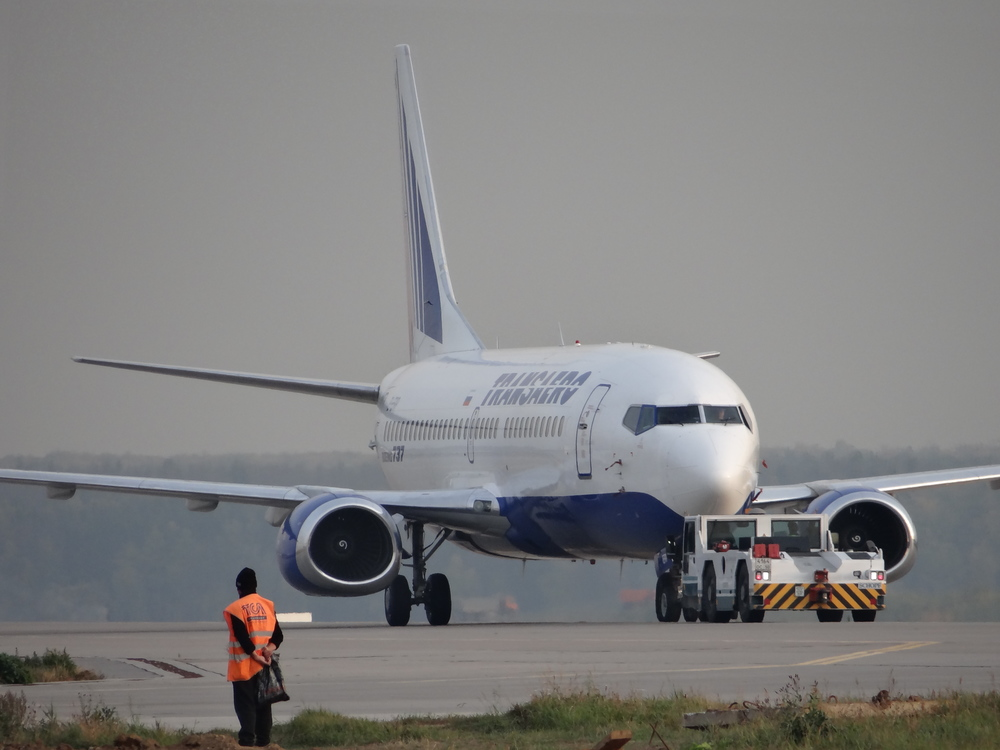 A Transaero Boeing 737 being tugged