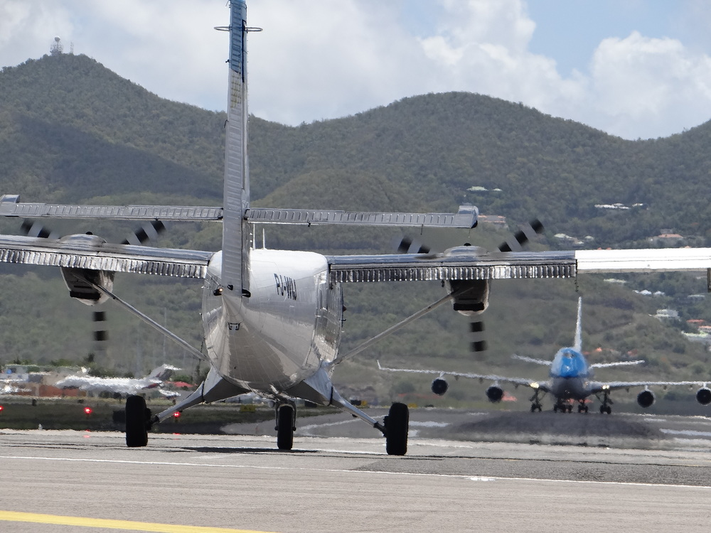 At SXM you can see aircraft of all types an sizes, from the smallest to large Jumbo jets