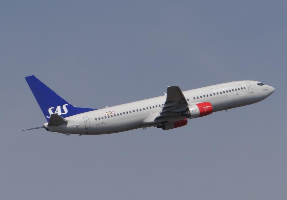 Elegant Scandinavian Boeing 737-800