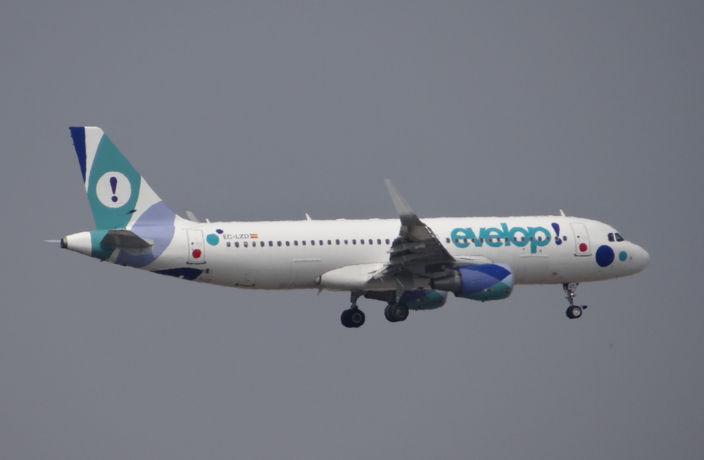 Evelop's creative livery. This Spanish airline is based in Palma de Mallorca and operates in charter and leisure markets