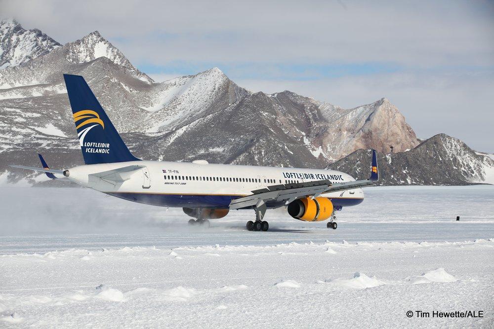 boeing 757 loftleidir antarctica