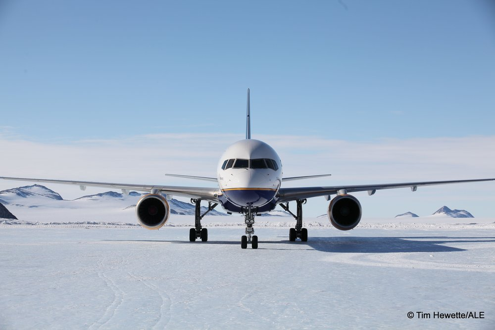 boeing 757 union glacier blue ice