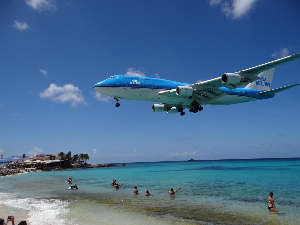 KLM boeing 747 maho beach