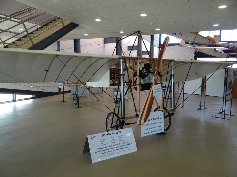 Replica of the Blériot XI that performed the first flight in Spain
