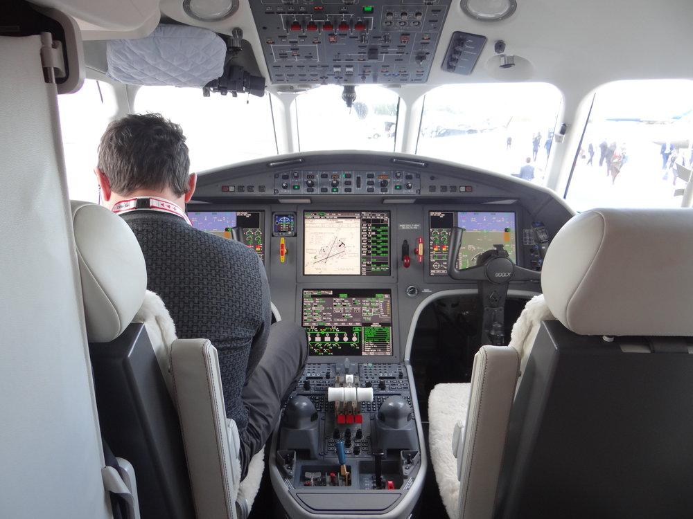 Nice cockpit. Not an expert in avionics, but looks pretty advanced!