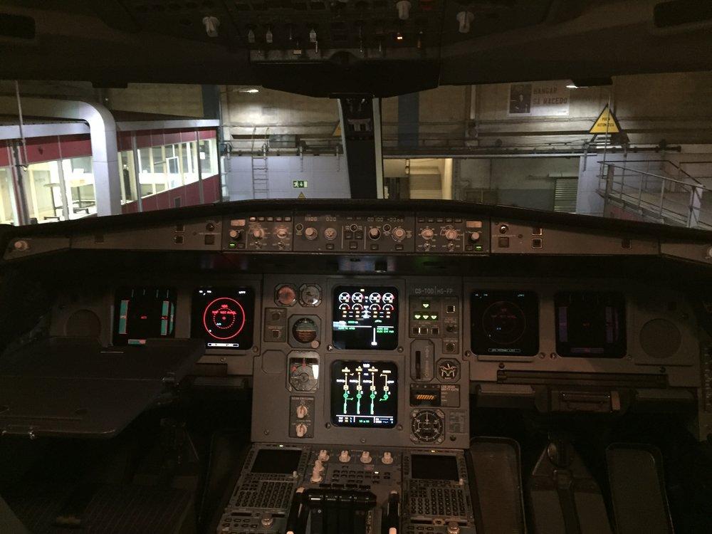 An A330 cockpit