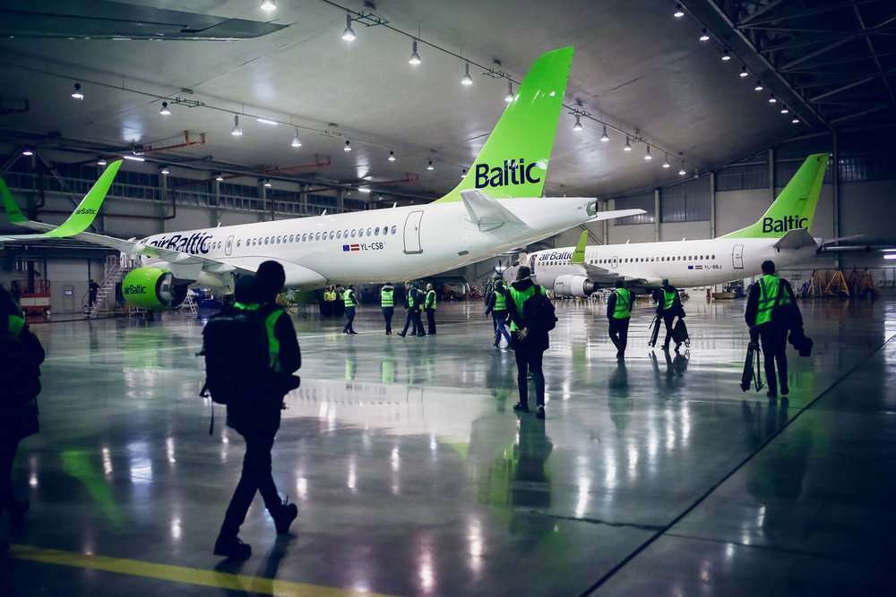 airbaltic cseries cs300