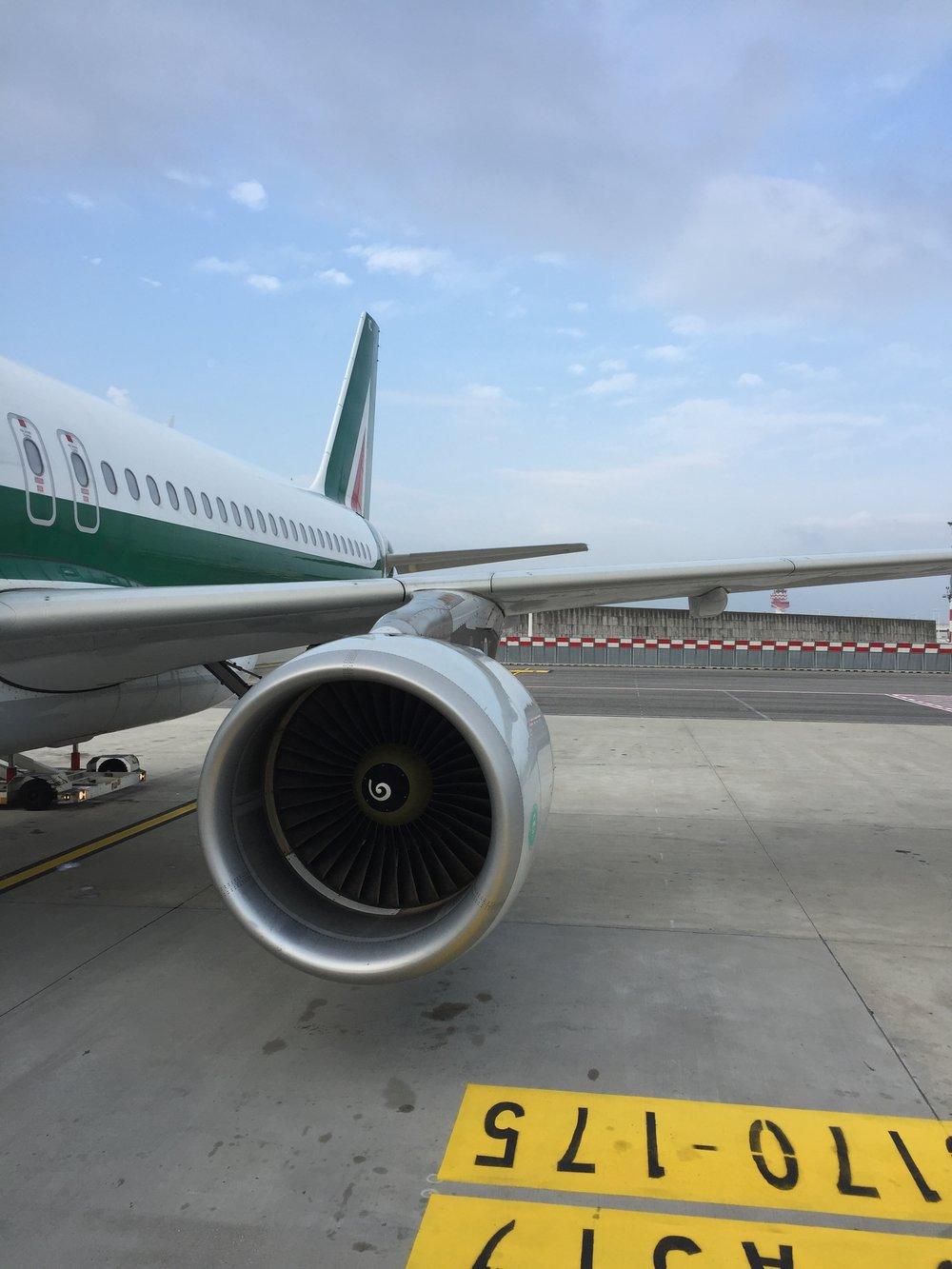 Alitalia A320.JPG