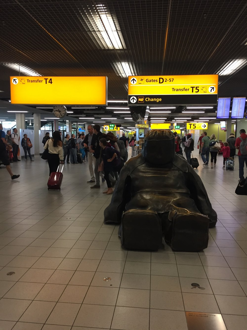 Amsterdam Schiphol, one of my favourite airports in the World, here's why