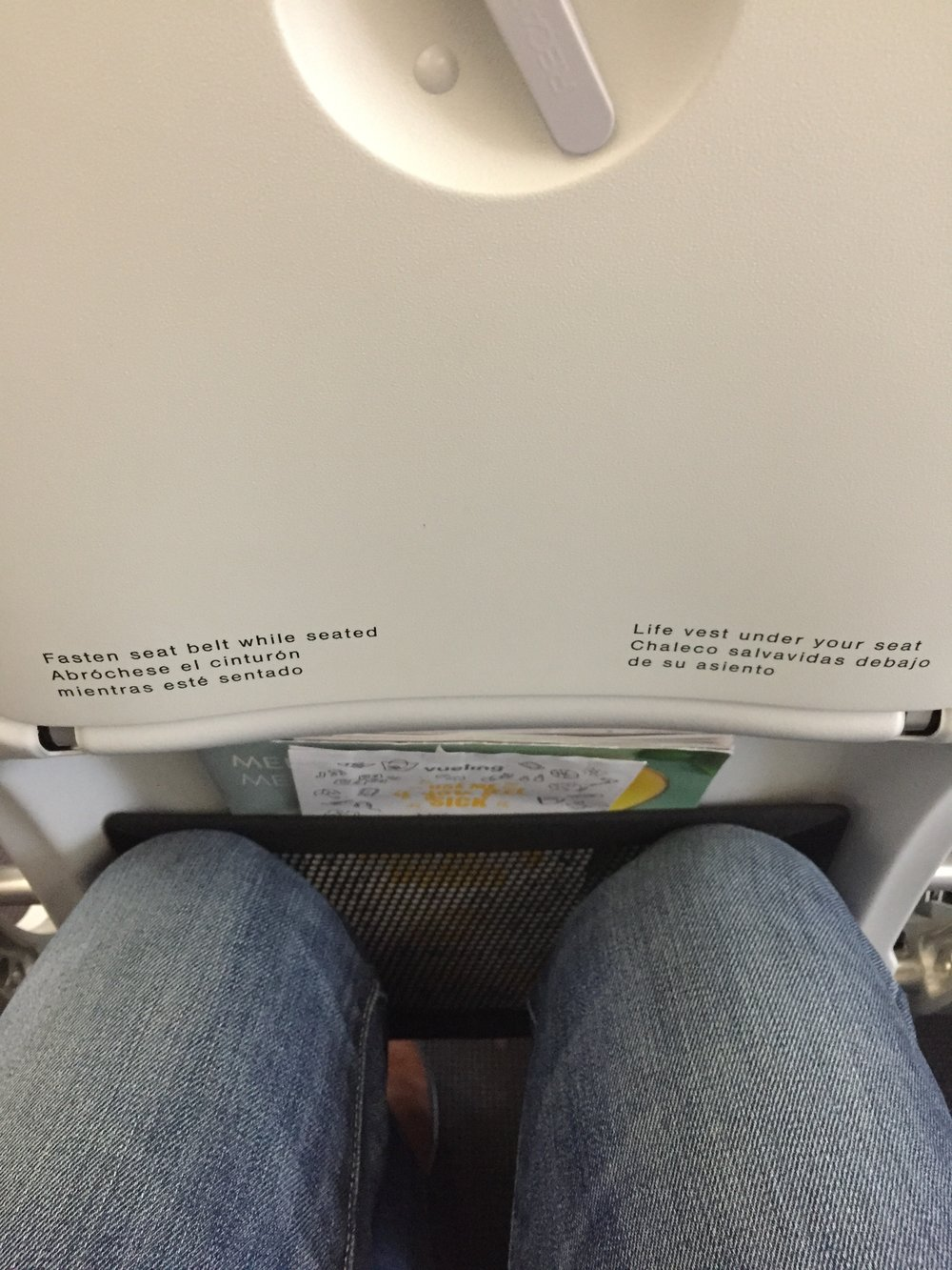 Vueling A321 seat pitch.JPG