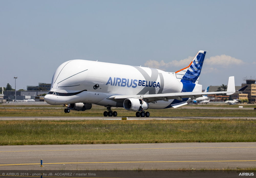 BelugaXL-First-Flight-Landing-02-.jpg