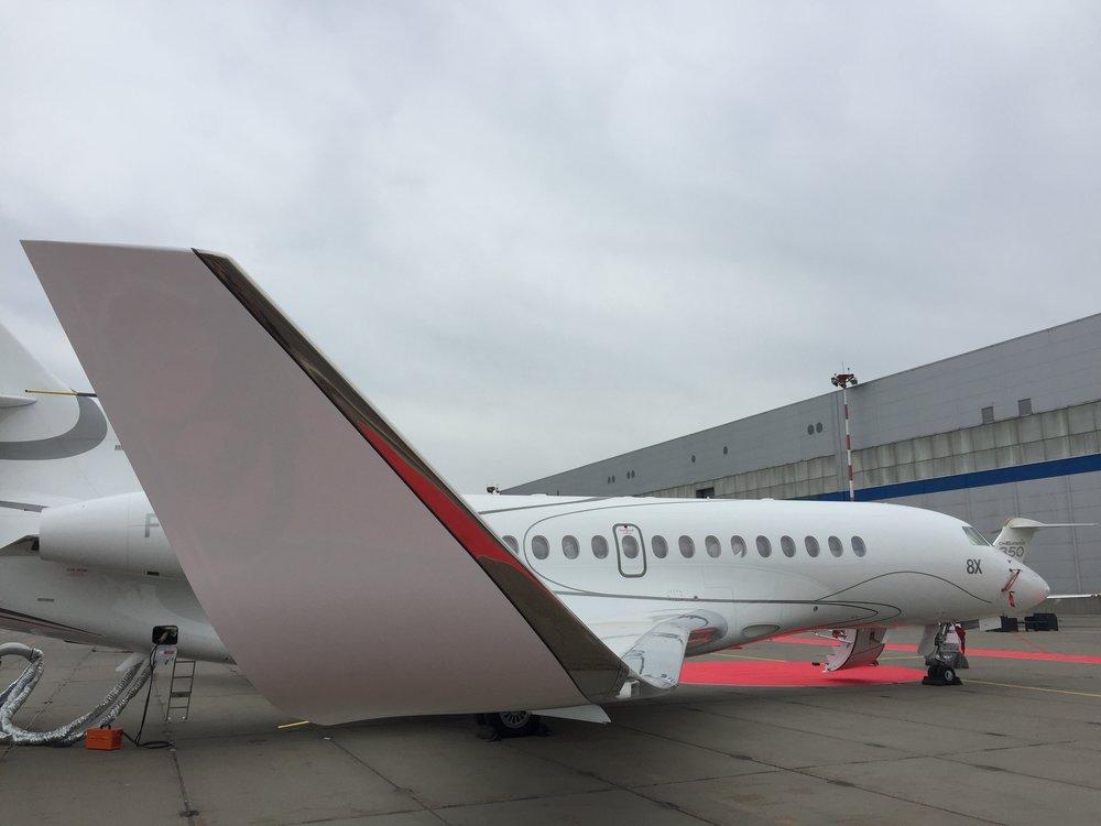 Dassault Falcon 8X wing.JPG