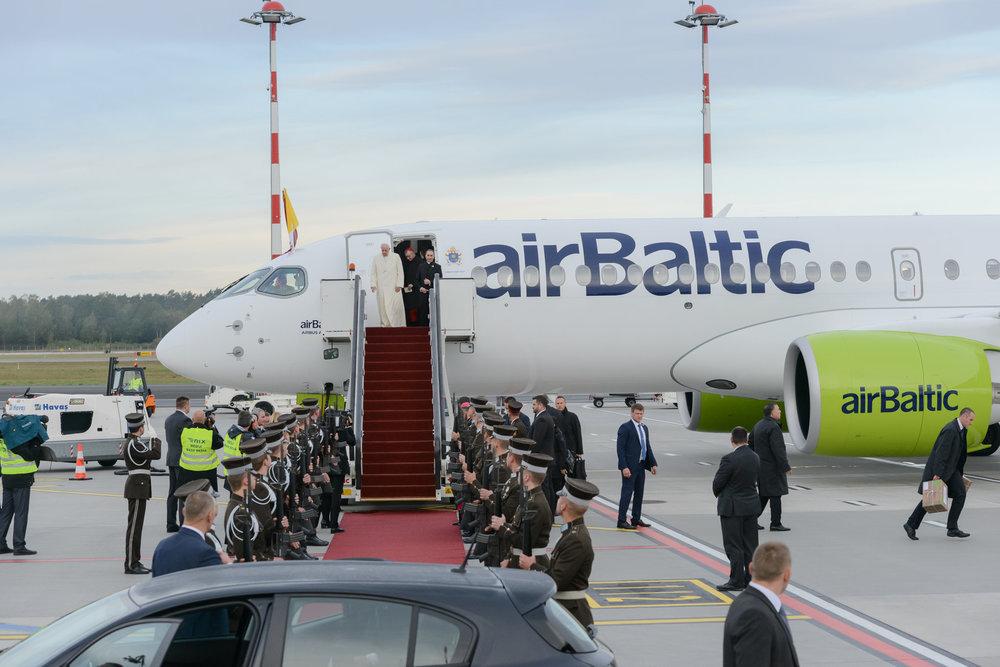 2018_09_24_airBaltic_Pope_Visit_5.jpg