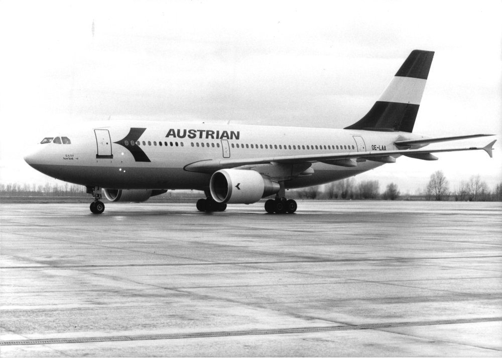 016e - New Austrian Airlines retro livery takes off © Austrian Airlines_Georg Mikes (1).jpg