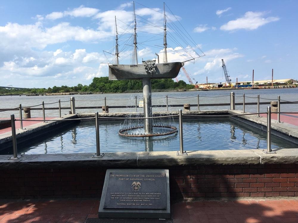 Port of Savannah statue